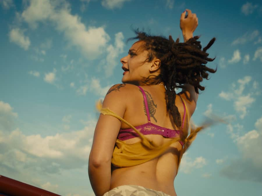american-honey-sasha-lane-as-star-in-american-honey-andrea-arnold-00442488_rgb